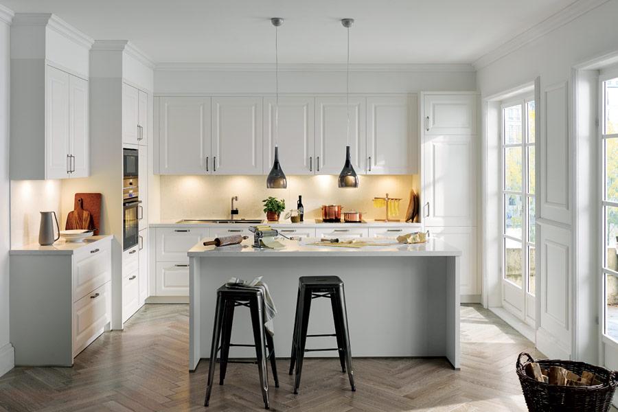 kuchyn s ostr vkem kuchyn sch ller. Black Bedroom Furniture Sets. Home Design Ideas